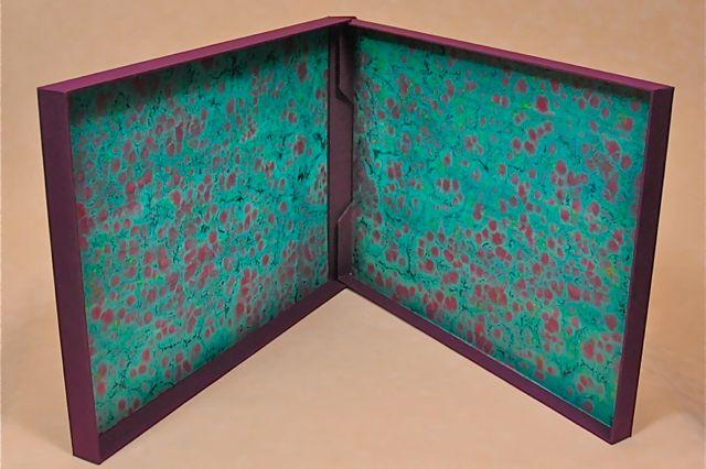 portfolio, overslag doos in opdracht gemaakt bij boekbinderij seugling in Amsterdam een overslagdoos, een handmade limited edition